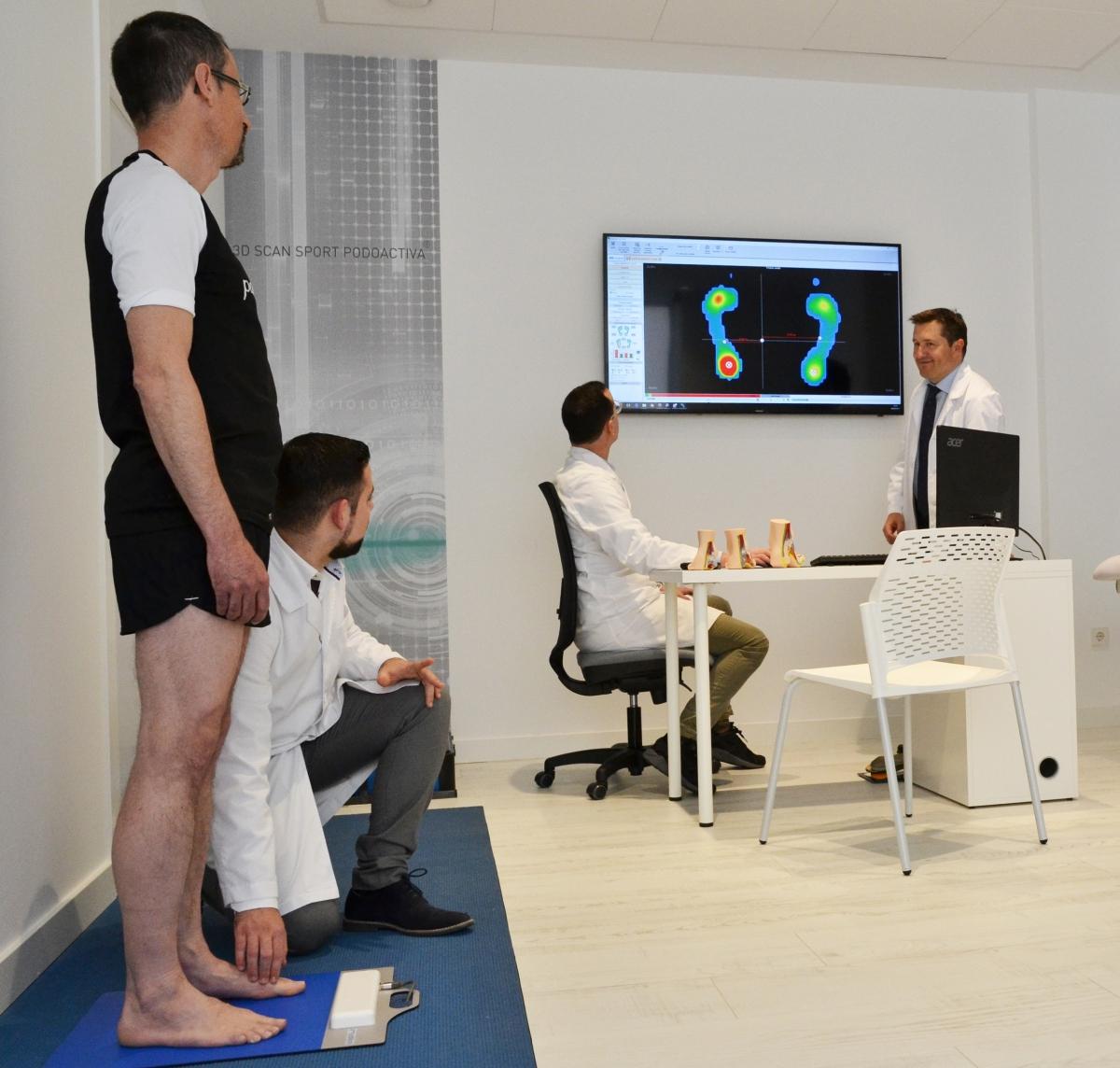 Podologia Laboral Con Paredes Y Las Clinicas Podoactiva Laboralia